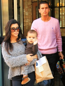 101310_kourtney_kardashian_scott_disick_mason_spl217363_002